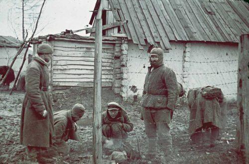 Советские военнопленные под Гжатском, декабрь 1941 года